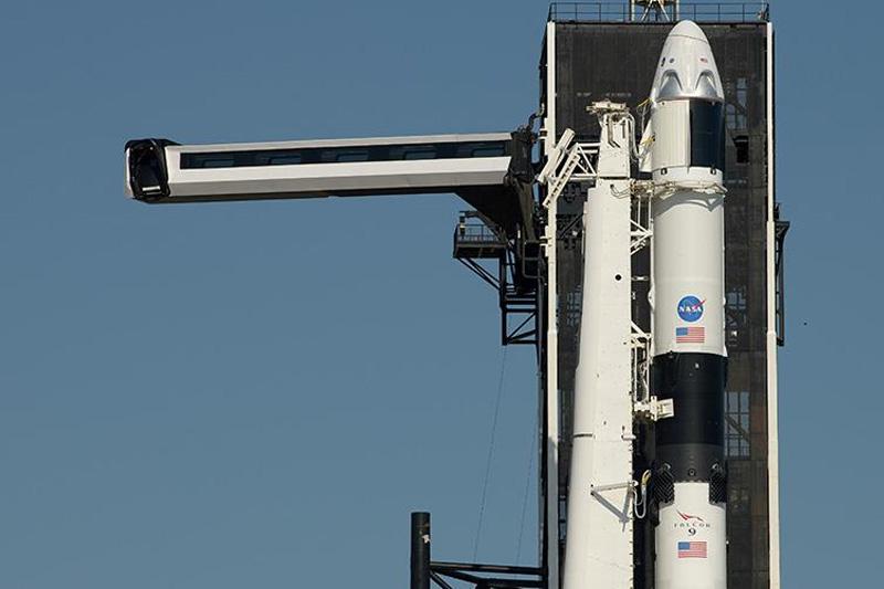 Известия: О запуске разработанного компанией Space X космического корабля на МКС