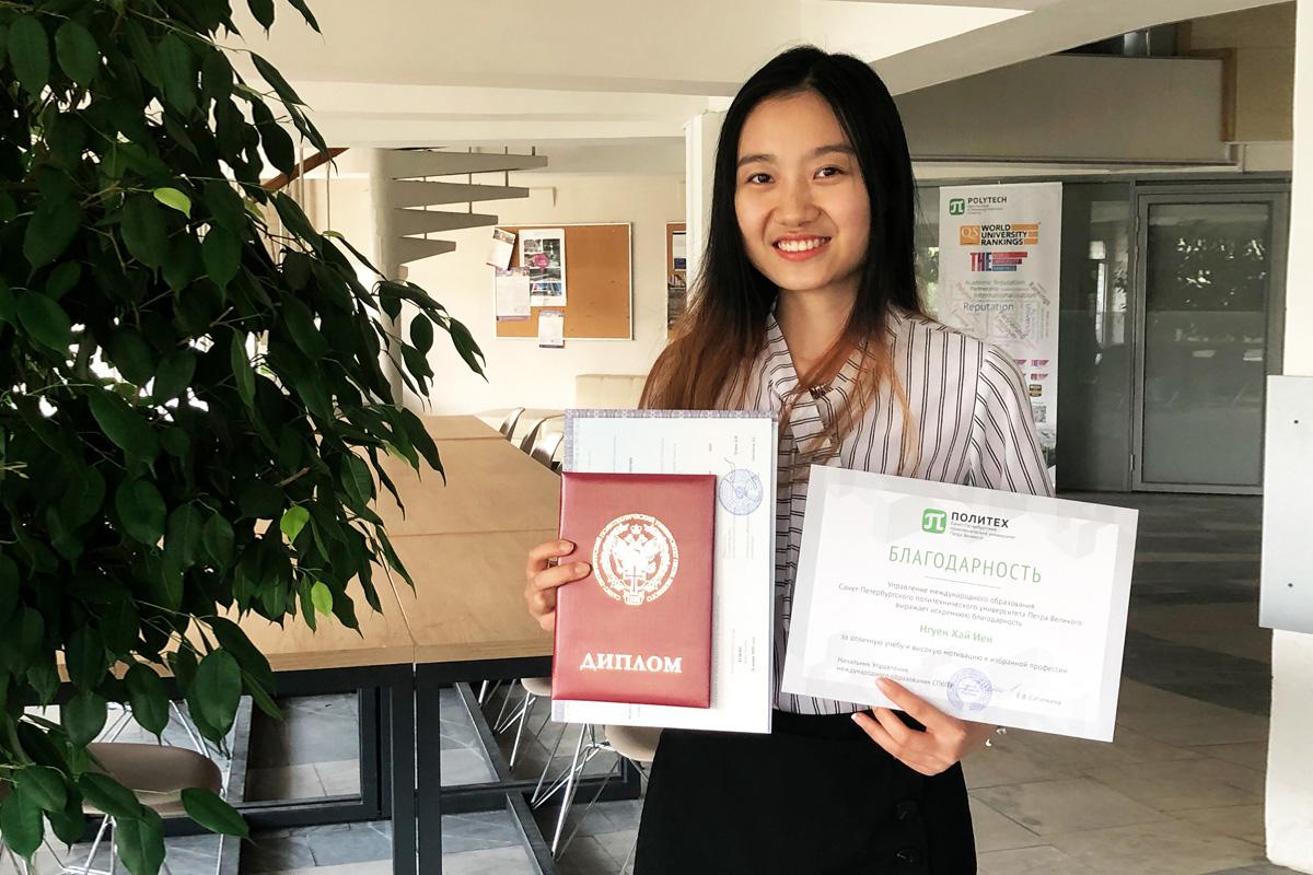 Иностранные студенты выбирают программу «Лазерные и оптоволоконные системы»