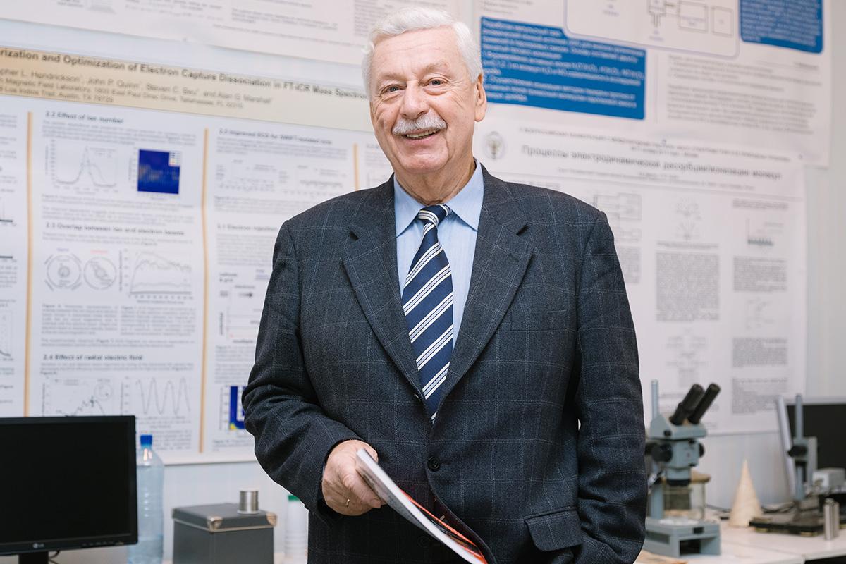 Олег Юрьевич Цыбин об ионном электроракетном двигателе, который поможет в освоении космоса