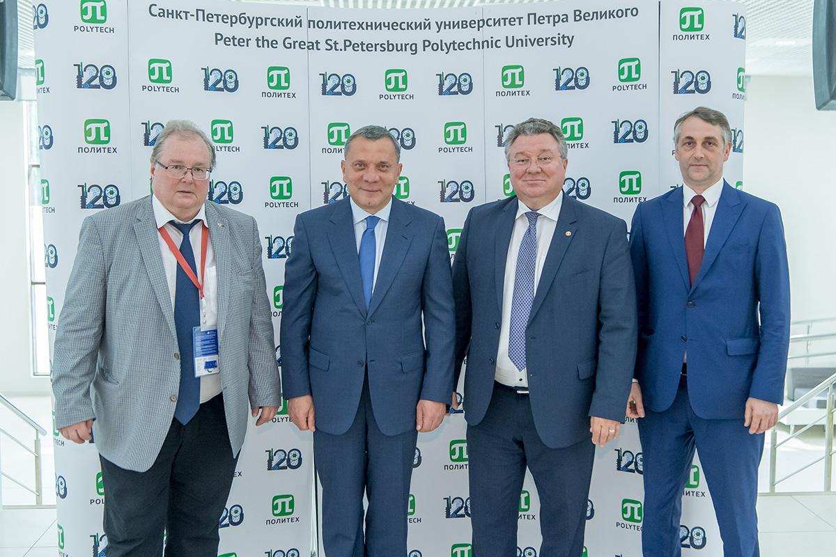 Вице-премьер Правительства РФ по вопросам ОПК Юрий Борисов посетил лаборатории ИФНиТ