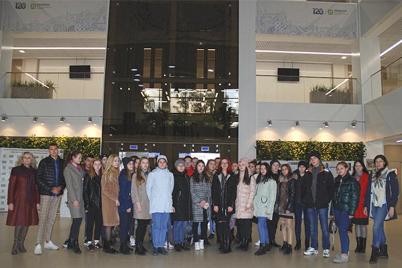 Экскурсия по научно-исследовательскому корпусу для школьников из г. Бугуруслан
